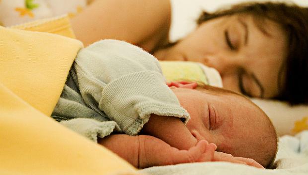 「一覺醒來,寶寶卻沒氣了」小兒科醫師:八件事,會害嬰兒睡夢中猝死