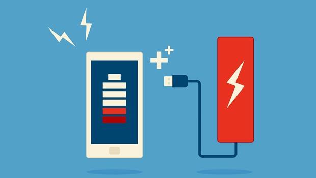 6個科技謊言》手機電池沒電再充比較好?其實....