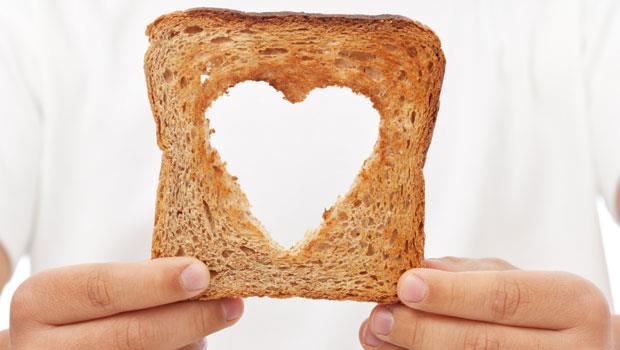 一塊麵包教孩子「分享」:這位爸爸的做法,每個父母都該學起來!