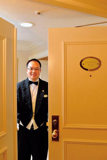 西華飯店客房餐飲副理 譚耀明