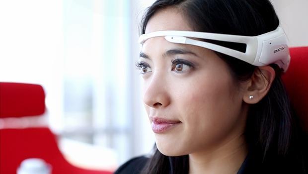 你挑戰冰桶,他們發明新技術》漸凍人將能用眼睛操作家電