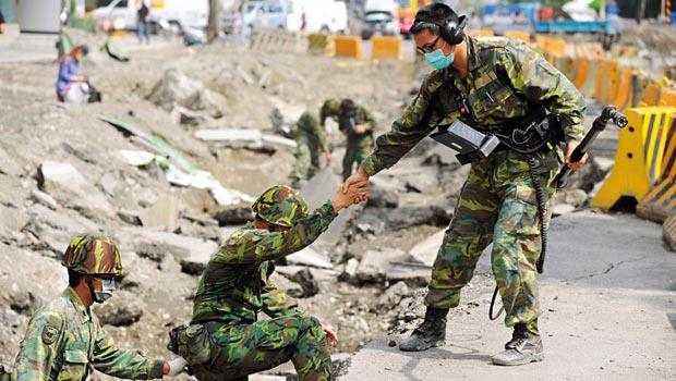 用對每一分力》面對災難,除了第一線的國軍弟兄,還須靠專業防災人才、中央地方攜手合作,才能降低傷害。
