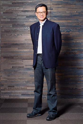 西裝搭中式立領 襯托東方簡約風格