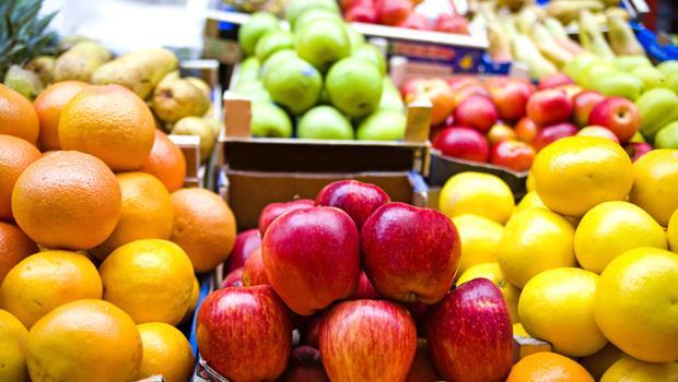 蔬果清洗劑沒比清水好!專家教你三招,有效去除農藥