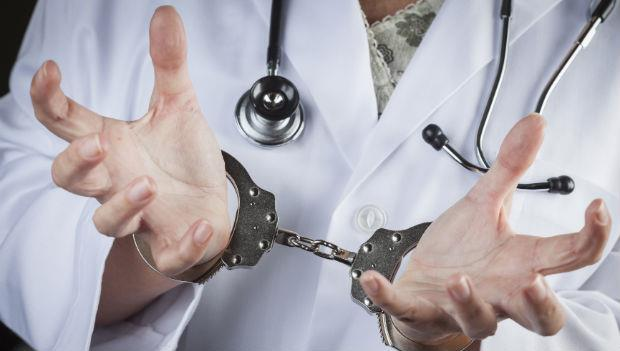 史上最慘烈的醫療糾紛:死了一個病人,20多名醫師被殺,300人被關
