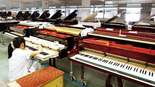 位於中國寧波的海倫鋼琴公司,產品出口歐、美、日多國,多了國際代工的經驗更讓新手爸媽埋單,股價幾乎翻倍漲。