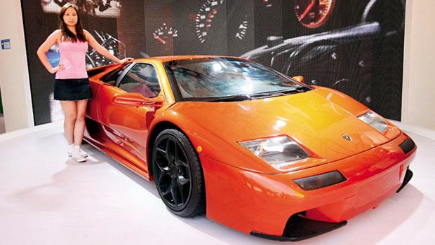這部車,代表中國夢-沒有淘寶,這台「惡魔」超跑復刻版,就不可能在北京的胡同裡重生。