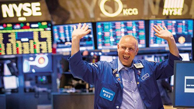 美股近來行情大好,華爾街人眉開眼笑,這份喜悅竟意外感染到中國,因注資美國的中國主權基金受惠美股大漲,報酬率衝到約10%。