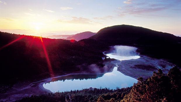 繞行翠峰湖一圈的環山步道,可由不同角度觀賞台灣最大的高山湖泊。