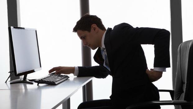 一天坐超過5小時的人必讀!三步驟教你「正確坐姿」,打造不生病的身體