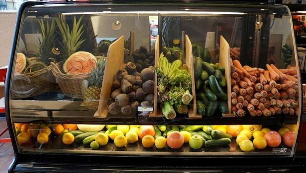 營養師:同樣攝取營養素,水果可能比蔬菜更好