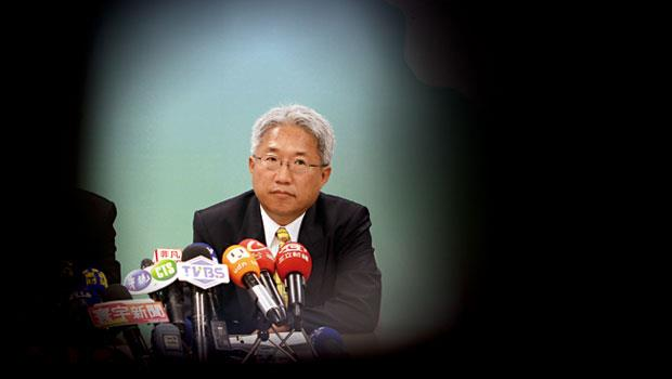 個性低調、投資卻不手軟的數字科技董事長廖世芳,難得在記者會現身,他強調被起訴不會影響營運,「會繼續投資、該併的公司繼續併。」
