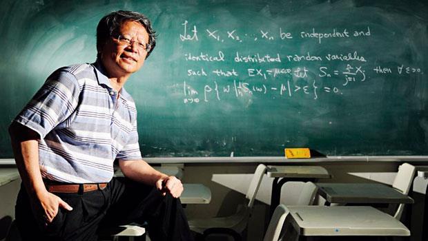 中央大學統計所講座教授、國際數學奧林匹亞台灣區團長:傅承德