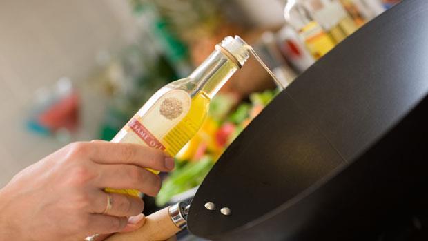 你家用到黑心油嗎?這4種油放在冰箱會凝固,千萬要注意!