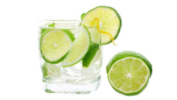 名模減肥絕招:每天必喝「熱檸檬水」,這三個時間喝就會瘦!