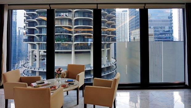 我的房間就正對Marina-City的景觀,其特殊前衛的外形是芝加哥最令人印象深刻的地標。