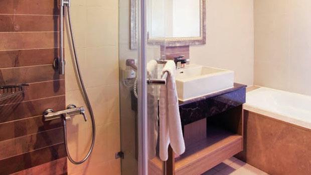 浴室好小好難放東西?「分區收納」乾燥又省空間! - 商業周刊