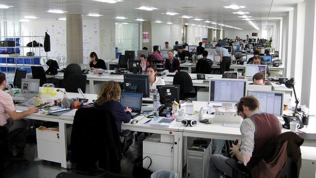 職場殘酷學:為什麼那些只出一張嘴的同事,老是晉升得比你快?