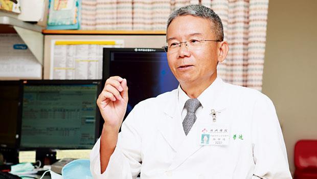 振興醫院咽喉嗓音特別門診主治醫師、陽明大學耳鼻喉科教授 張學逸