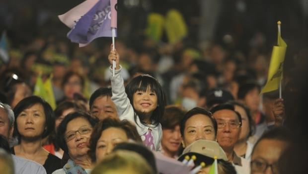 你以為換黨執政會變更好?台灣人腦袋不改,未來淒慘只是剛開始而已