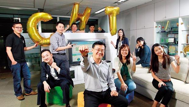 走進中華電信商業分析發展中心,這群人透過輿情系統掌握民意,連鄉民反映看不懂金城武廣告,董事長蔡力行也會馬上知情。