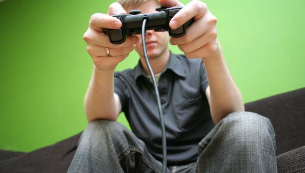 功課一流的兒子卻說:將來要做電玩》是什麼讓一個父親從極力反對、到忍痛支持?