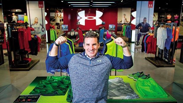 從球員到大老闆》普朗克以「藏身在鎧甲下」(Under-Armour)為名自創品牌,如今已是全美第2大運動品牌掌門人。