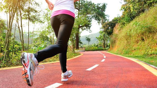 凸肚有三種!日本健身教練私傳「跑走瘦肚法」,1個月減掉1公斤內臟脂肪