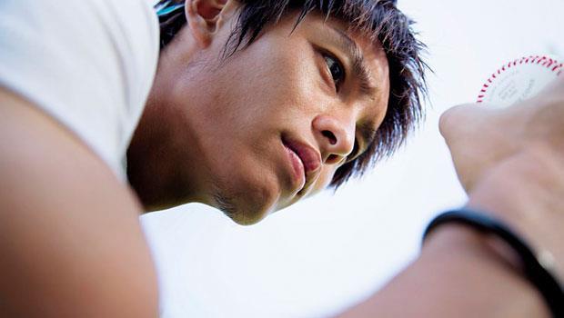 拍照時,曹佑寧看見棒球眼睛一亮,表示之後計畫加入職棒選秀,為統一獅效力。