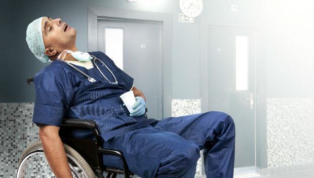 「領錢到一半,突然倒下...」退休第一天就往生,醫生壽命真的比較短嗎?