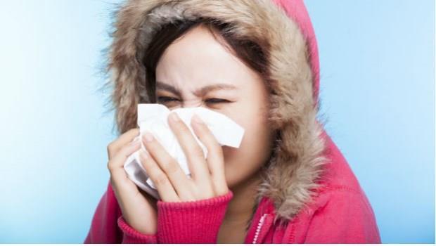 明明是病毒引起的....為什麼媽媽都說「著涼會感冒」?
