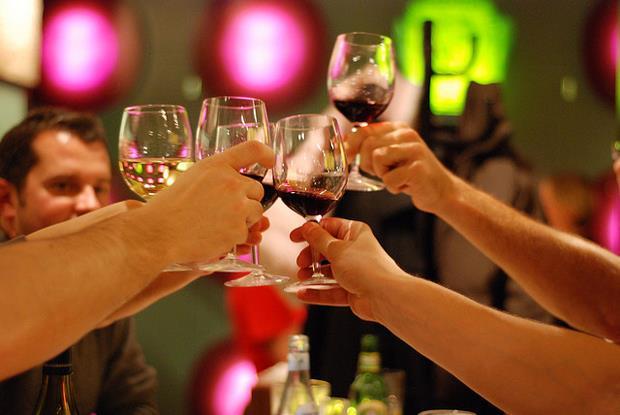 年末跑趴必學!搞懂品酒四步驟,正妹朋友紛紛都說「您真專業」 - 商業周刊