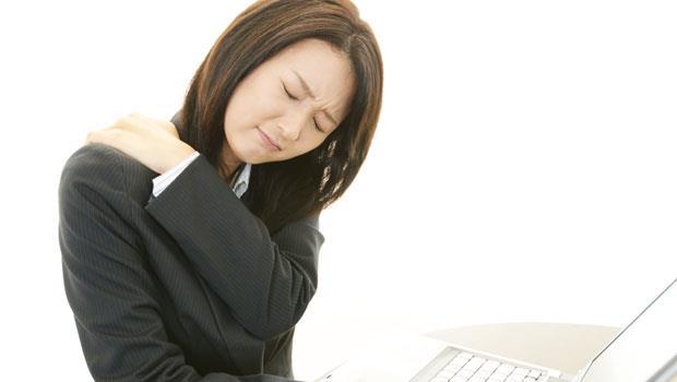 神奇肩胛骨柔軟術:3招改善失眠、頭痛、手腳麻!