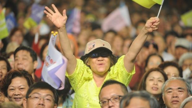 九合一選舉,國民黨大敗》路透社:與中國建立密切關係,不得人心