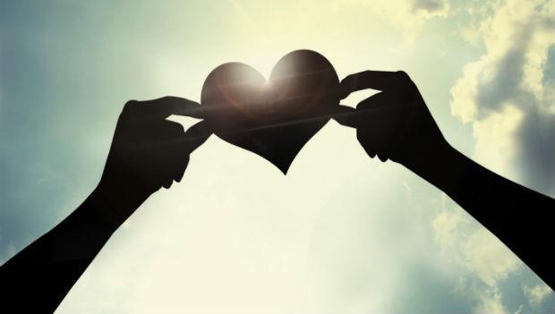 人生禁不起太多的耽擱,無論是父母、愛人抑或朋友,請義無反顧地去愛吧!