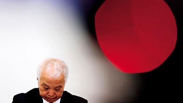 日本廠商高田的安全氣囊,因產品瑕疵至少導致5人喪生,財務長野村洋一郎鞠躬謝罪,日本政府也指示調整。