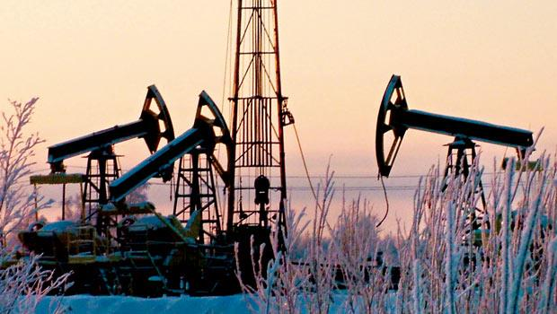 油價重挫讓不少石油出口國股、匯市慘跌,俄國、墨西哥皆強勢阻止貨幣續貶,政經變數增多,投資人應調整布局。