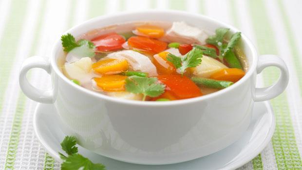 日本名醫推薦!6種蔬菜做「燃脂排毒湯」,改善寒性體質