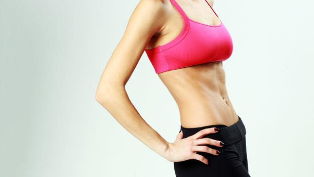 做「仰臥起坐」不能幫你瘦肚子!專業教練傳授80秒練完美腹肌