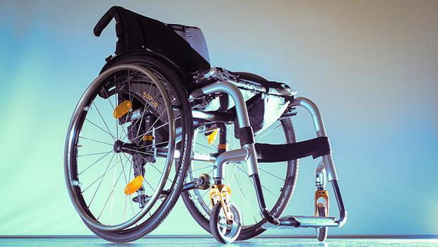 日本服裝設計師操刀,讓輪椅也能成為時尚單品!