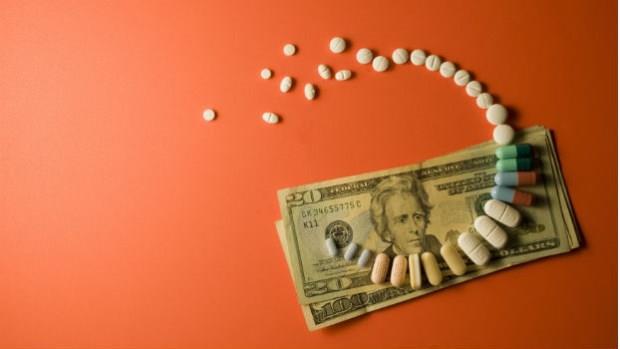 一顆1元 VS. 一顆100元的抗生素,開哪一種藥給你的才是好醫師?