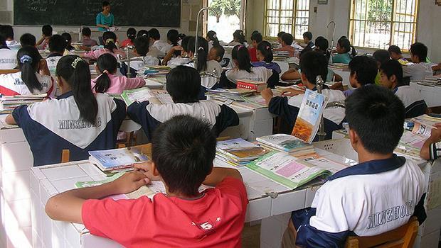 被老師要求掃樓梯、收作業、登記遲到,台灣就是這樣培養「領導者」的?