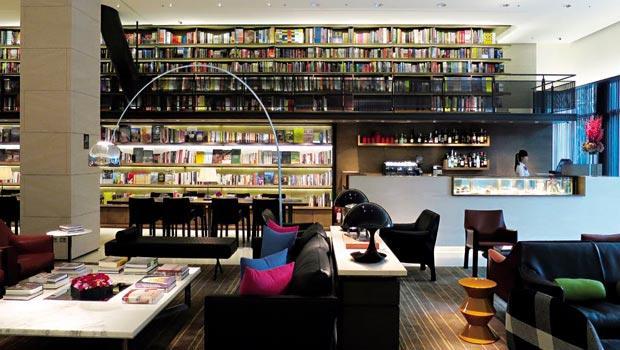 旅店大廳布置得有誠品之味,但這樣的氛圍卻沒有延伸到大部分的房間設計。