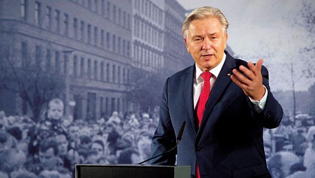 沃威在德國被視為同志偶像,但他在柏林主政13年留下的債務,將是繼任者最大難題。
