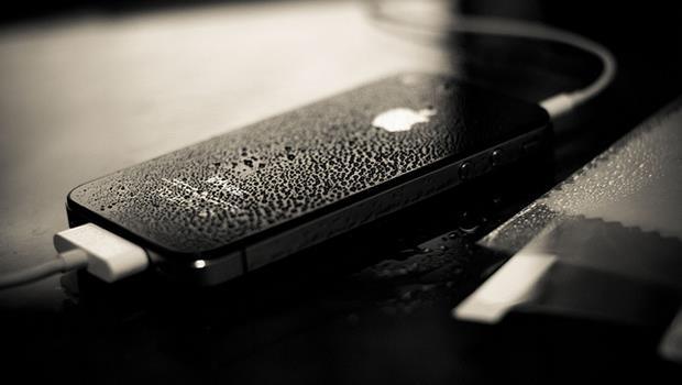 手機沒電好焦慮?奈米微粒技術突破,幾分鐘完成充電