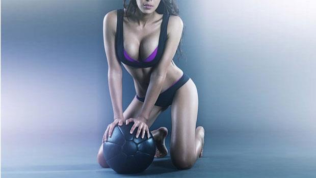 「一顆球」練全身!上健身房別只會跑步、踩飛輪,學這5招甩掉肥肉