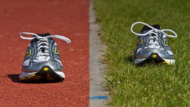 7大跑步場地評比》總是在水泥地、馬路上跑步?小心毀了你的膝關節!