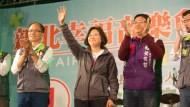 TIME:蔡英文可能領導華人唯一民主國家》請問民主有讓台灣景氣變好嗎?