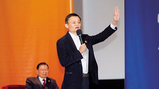 日前剛成為華人首富的馬雲(右),不但為青年請命,更廣邀台灣中小企業將貨賣到中國。