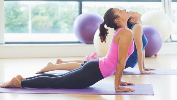工作一整天好累卻睡不著…5招「助眠瑜伽」讓你馬上入睡!
